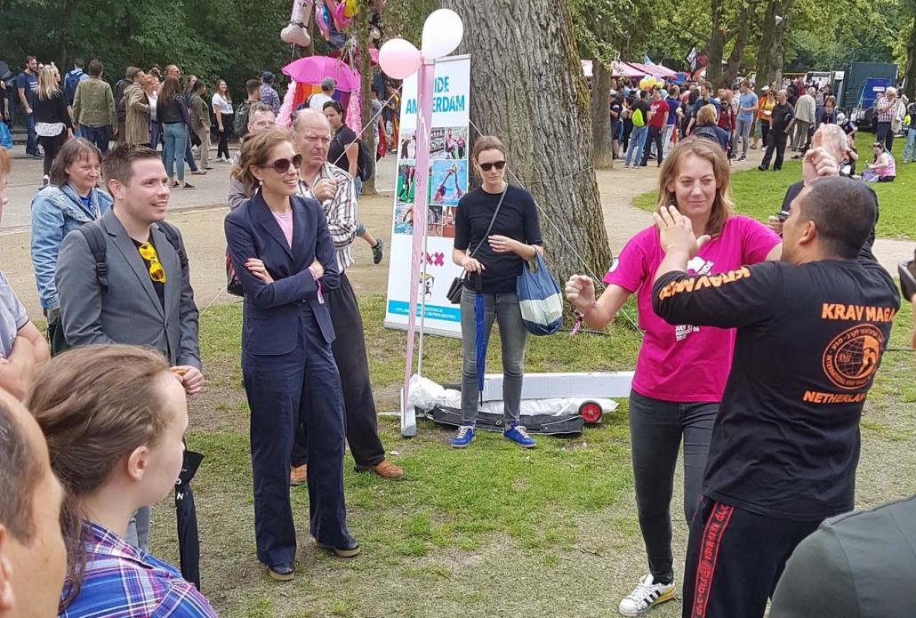 Wethouder Kukenheim op bezoek bij Pride and Sports